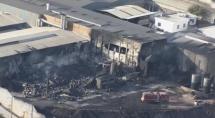 Bombeiros conseguem apagar incêndio que destruiu fábrica de tintas em Betim